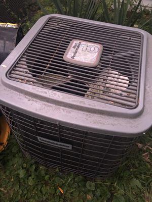Ac unit 3 ton for Sale in Farmington Hills, MI