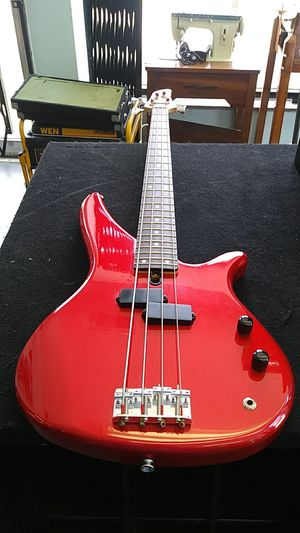 Yamaha Bass Guitar for Sale in Rockdale, IL