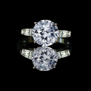 3 ct center round brilliant center stone with tapered baguettes. 635R1360 for Sale in San Francisco, CA