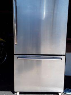Maytag Refrigerator for Sale in Azusa,  CA