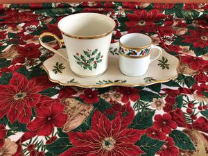 Xmas Holidays Trio porcelain set: Lenox ivory tray & cup & Tirschenreuth white espresso flat cup decorated w/ green leaves & red fruits for Sale in Hialeah, FL