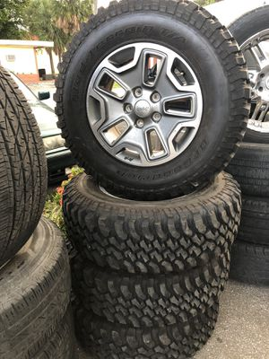 Jeep Wheel Set Rims and tires for Sale in Fort Lauderdale, FL