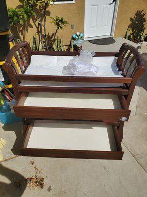 Baby changing table/Mesa para bebe for Sale in Garden Grove, CA