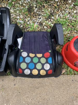 Child booster seat $3 for Sale in Matteson, IL