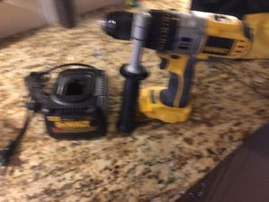 Dewaltt 18 v hammer drill (heavy duty) for Sale in Lubbock, TX