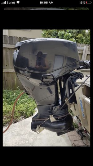 "Like new 2008. Evinrude. 40 hp tiller electric start , 20"" shaft. Hurry. . for Sale in Miami, FL"