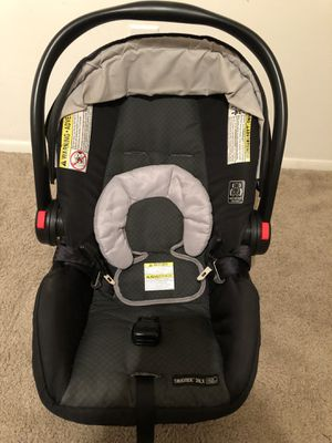 GRACO infant car seat with base for Sale in Greenville, SC