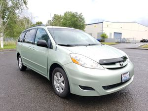 2008 Toyota sienna le AUTOMATIC 4CYL very clean LOW MILES sport for Sale in Portland, OR