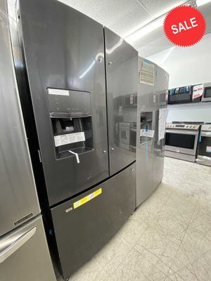 LIMITED QUANTITIES!Brand New Refrigerator Fridge Frigidaire Black Stainless #1526 for Sale in Miami, FL