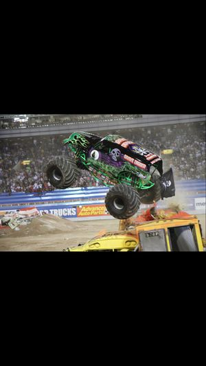 2020 monster jam w/pit passes for Sale in Plano, TX