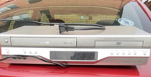 Toshiba combo vcr dvd recorder for Sale in Chicago, IL