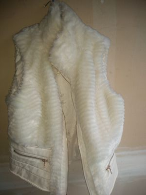 fux fur vest for Sale in Monroe, WA