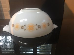 1963 vintage Pyrex town and country collection 4 quarts for Sale in San Antonio, TX