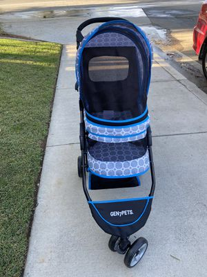 Dog stroller for Sale in Moreno Valley, CA