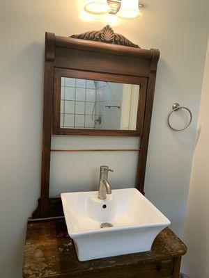 Bathroom vanity. for Sale in Raleigh, NC