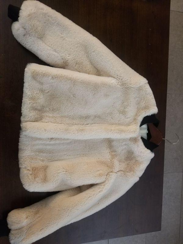 Beautiful Cream Faux Fur Coat Size Adult Small