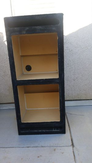 Box for speakers 15 inche for Sale in Fresno, CA