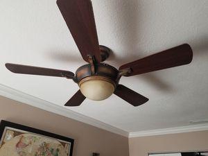 Ceiling fan for Sale in Pembroke Pines, FL