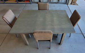 Dinning table for Sale in Buckeye, AZ