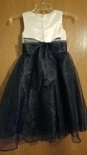 Girl's dress for Sale in Galloway, OH
