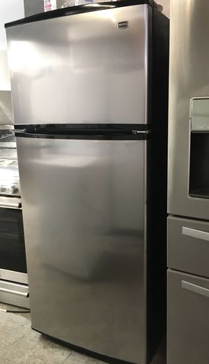 STAINLESS MAYTAG REFRIGERATOR (AUTOMATIC ICE-MAKER) for Sale in Placentia, CA