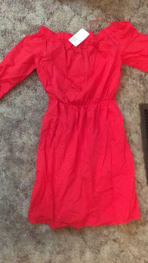 H&M RED OFF THE SHOULDER DRESS for Sale in Harrisonburg, VA