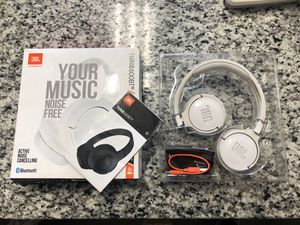 """* JBL Tune 600BT Bluetooth Headphones Noise -Cancelling """"White"""" #17468-1 for Sale in Revere, MA"""