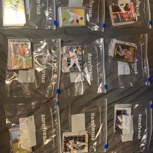 ❇️✳️ RANDOM 50 CARD PACK - TOPS 2020 MLB ⚾️ for Sale in Willoughby, OH