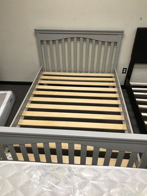 Full size bed frame for Sale in Florissant, MO