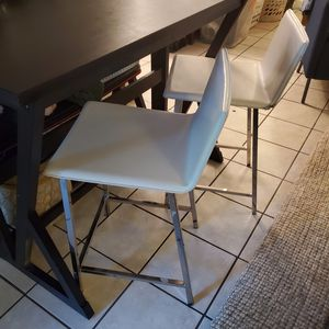 """2 White Leather Bar Stools 33"""" back x 24"""" seat for Sale in Austin, TX"""