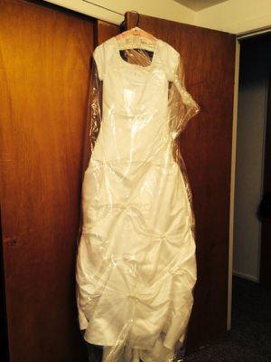 White Wedding dress for Sale in Salt Lake City, UT