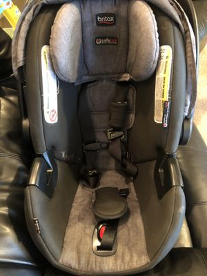 Britax infant carseat for Sale in Joint Base Lewis-McChord, WA