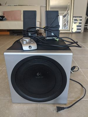Logitech Z-2300 THX-Certified 2.1 Speakers and Subwoofer for Sale in Dinuba, CA