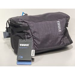 THULE Perspectiv Compact Sling. Waterproof Camera Bag for Sale in Chicago,  IL