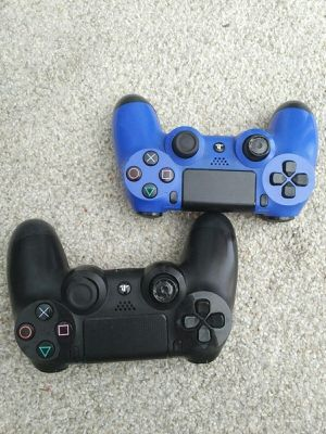Sony PlayStation 4 DualShock 4 CUH-ZCT1H Controllers for Sale in Laguna Beach, CA
