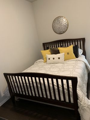 Queen size wood bed frame! for Sale in Odessa, TX