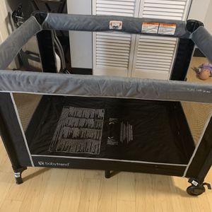Baby Playard - Corral Para Bebé for Sale in Hyattsville, MD