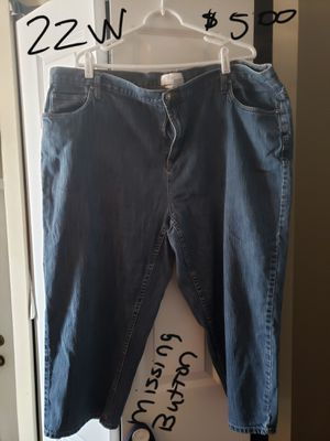 Plus size capris,skorts and jeans for Sale in Benson, IL