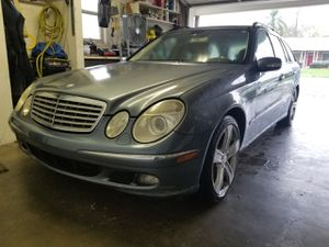 Mercedes w211 e320 e350 e500 E Class Part out parts for Sale in Clearwater, FL