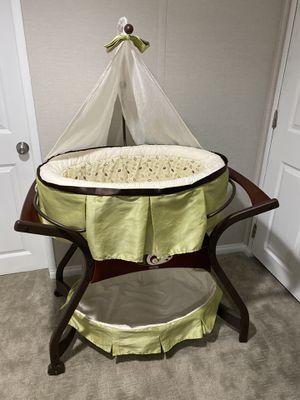 Baby bassinet rocker swing bed crib for Sale in Farmington Hills, MI