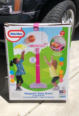 Toddler basketball hoop for Sale in Moreno Valley, CA