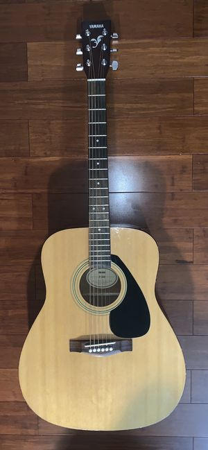 Yamaha Acoustic Guitar (negotiable) for Sale in Leesburg, VA