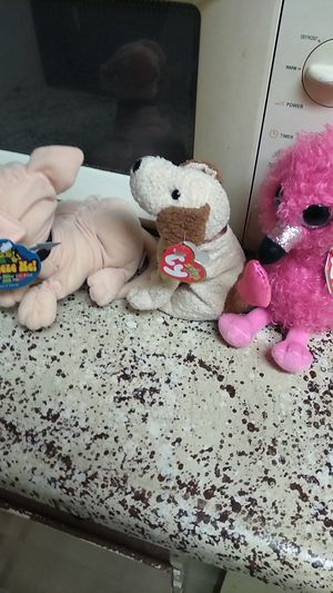 Two beanie babies and a Austin Powers mr bubbles worth for Sale in Houston, TX