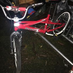 """Schwinn 20"""" Red Bike Great For A 10 To 12 Year Old Child for Sale in Portland,  OR"""