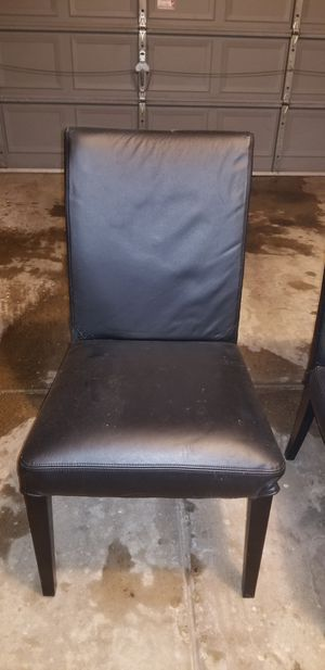 Free dining room chairs for Sale in Elgin, IL