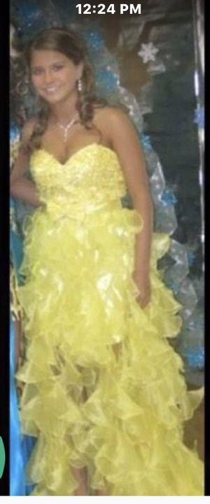 Prom dress for Sale in Moon, PA