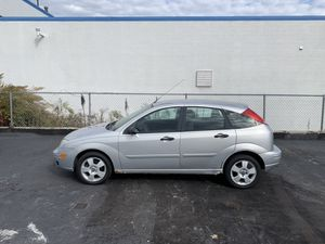 2006 Ford Focus ZX5 for Sale in Bedford, OH