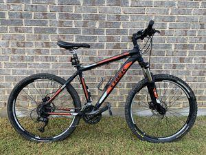 Trek 4300 Mountain Bike for Sale in Fort Worth, TX