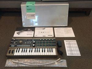 Korg MICROKORG 37 Keys Analog Modeling Synthesizer OPEN BOX for Sale in Fontana, CA