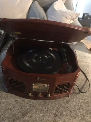 Emerson NR101TT Record Player and Radio Combo for Sale in Gig Harbor, WA